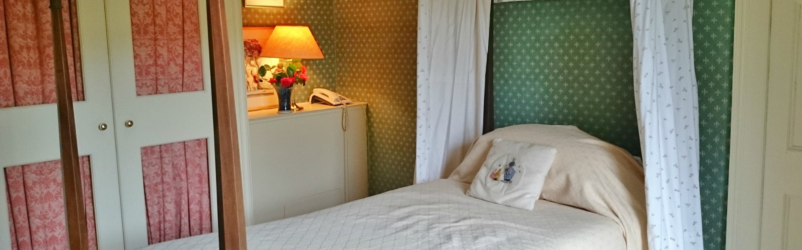 The Lily Room Kilmokea Country Manor, New Ross, Wexford